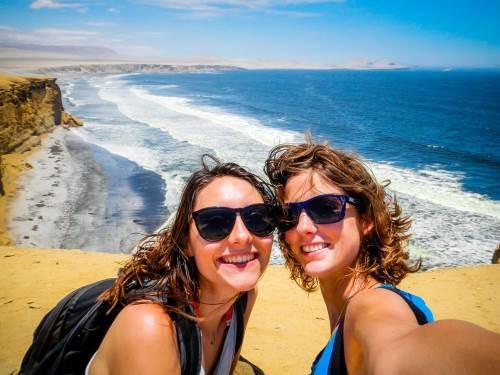 Nos aventurières font un léger détour par les îles Ballestas