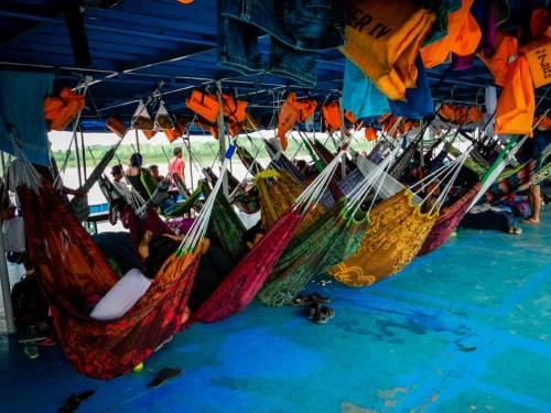 Nos aventurières prennent le bateau pour rejoindre le coeur de l'Amazonie