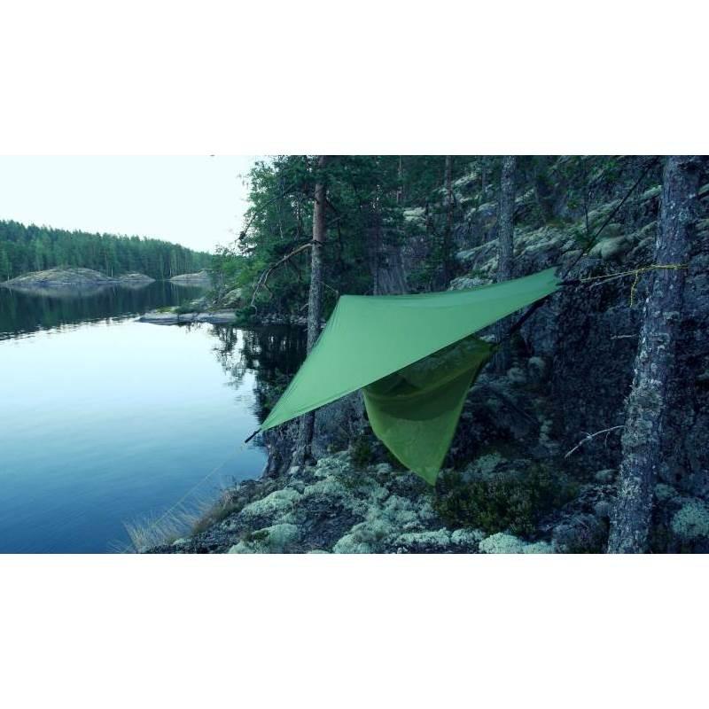 tarp pour hamac moon tarp ticket to the moon. Black Bedroom Furniture Sets. Home Design Ideas