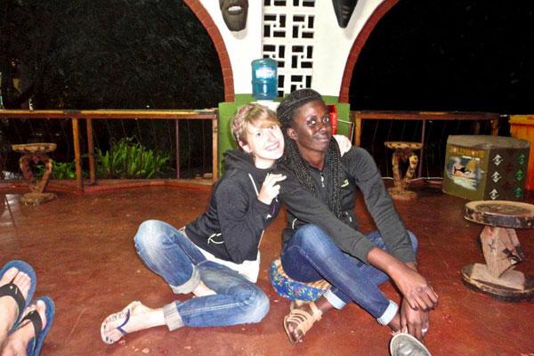 Clarisse et Magali parviennent en plein coeur de la Zambie, à Livingstone