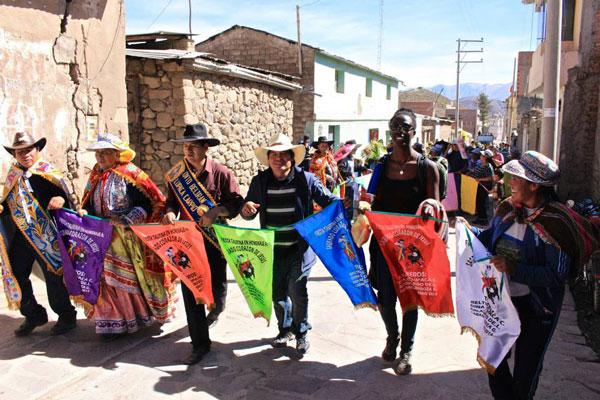 Arrivées dans une petite ville du Pérou, nos aventurières se retrouvent une fois de plus fort dépaysées
