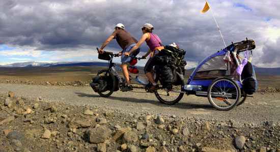 Dans No Man Iceland, Damien Artero et Delphine Million affrontent toutes sortes d'aléas