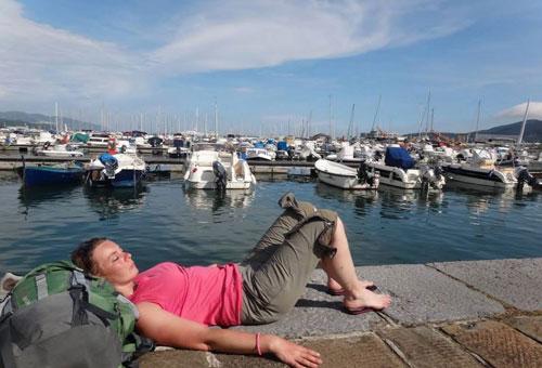 Nos aventurières Roro et Natt s'octroient une petite sieste italienne