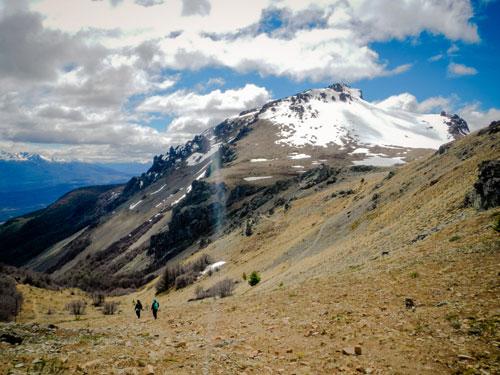 Devant les montagnes d'El Bosson, nos aventurières ne reculent pas et continuent d'avancer