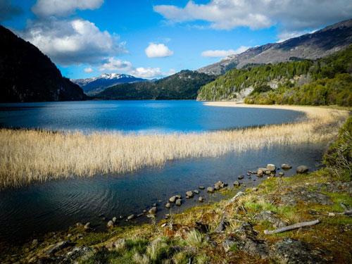Le lac de Lago Verde situé au coeur du Parc National de Los Alerces se prête idéalement à la randonnée