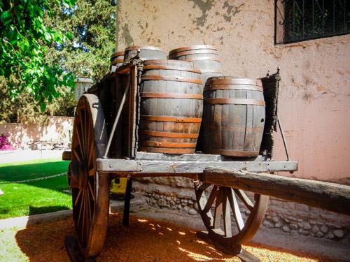 Nos aventurières arrivent au beau milieu des vignes de Mendoza, province d'Argentine connue pour ses vins