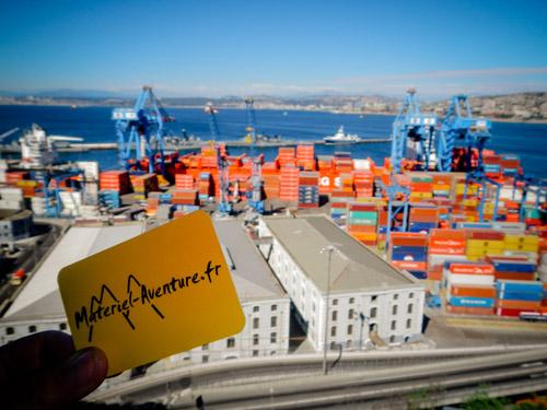 A Valparaiso, nos aventurières découvrent une ville colorée et animée : premier port chilien et deuxième ville chilienne en nombre d'habitants