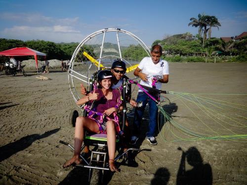 Nos aventurières s'apprêtent à décoller pour survoler une partie du littoral équatorien